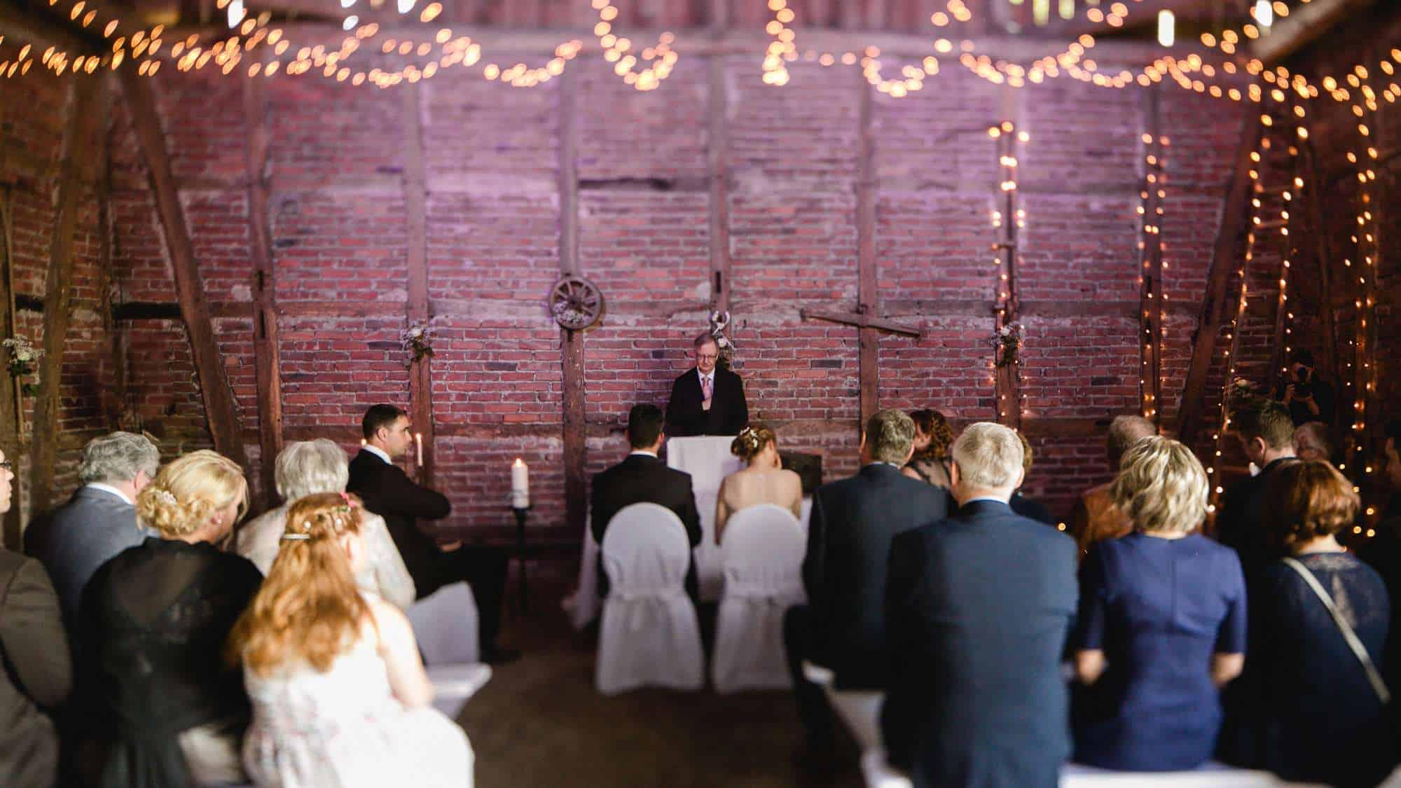 Freie Hochzeitszeremonie als vintage Hochzeit im Sauerland, Hagen, Olpe, Siegen, Nordrhein-Westfalen