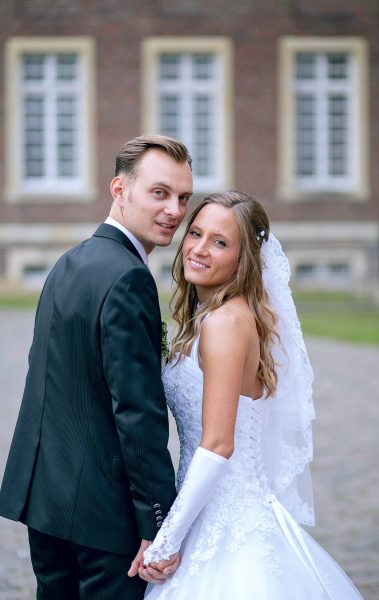 Glückliches Brautpaar auf Schloss Nordkirchen